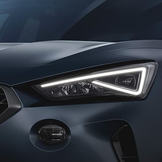 01-new-cupra-formentor-compact-sub-with-2-litre-310-hp-engine.jpg