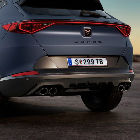 03-new-cupra-formentor-compact-suv-with-four-matte-black-exhausts-oe.jpg